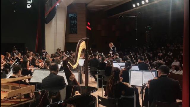 流淌在音乐中的异国情调,吉林省交响乐团倾情献艺。
